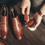 足を入れるだけ!自動で靴をピカピカにできる全自動革靴磨き機「靴磨き職人」